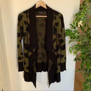HOST PICK 🎉 Romeo + Juliet Couture Cheetah Print Cardigan